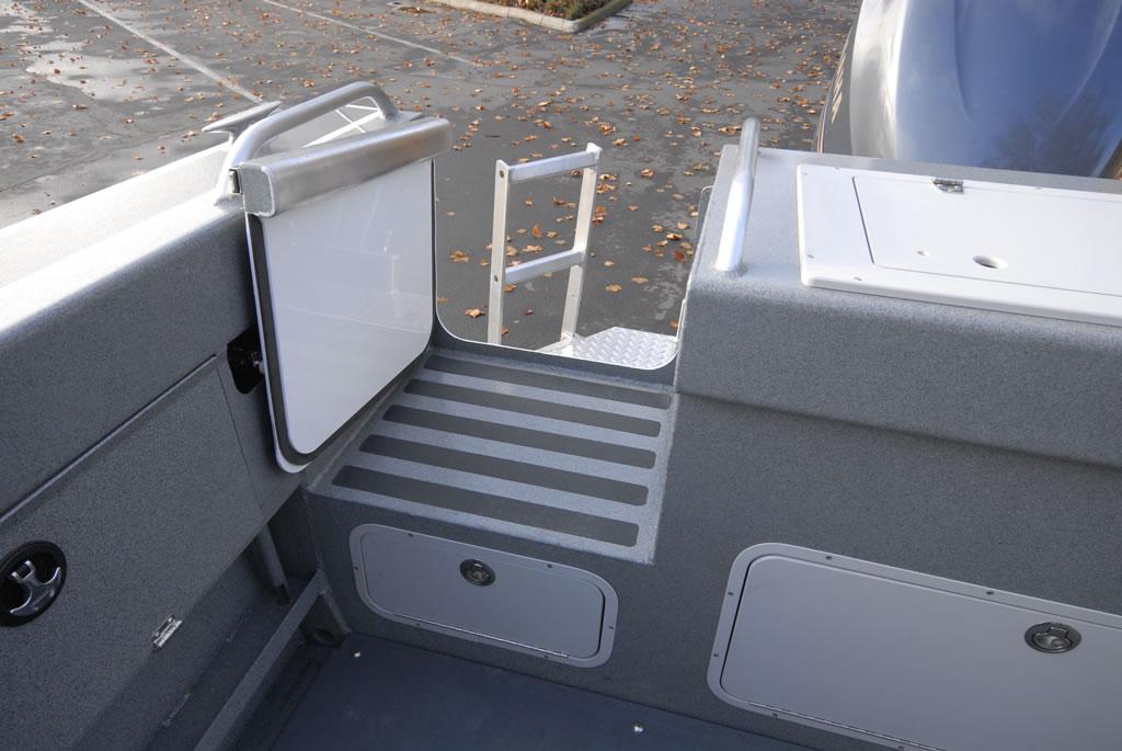Locking Transom Door ... & Offshore Specs and Features - Duckworth Aluminum Boats